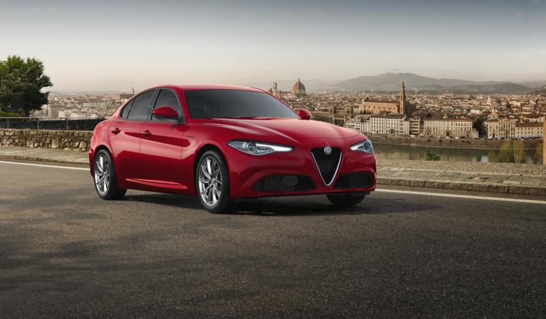 Alfa Romeo Giulia 2.2 JTD 160 Ks  AT 8 Business full